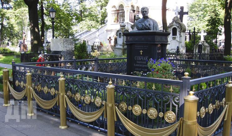 Памятники данила мастер в спб памятники из ростова на дону без