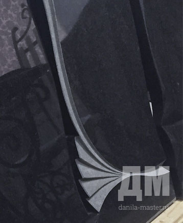 Резные памятники на могилу габро диабаз.150-70-10.фото.цены Ваза. Габбро-диабаз Верещагино